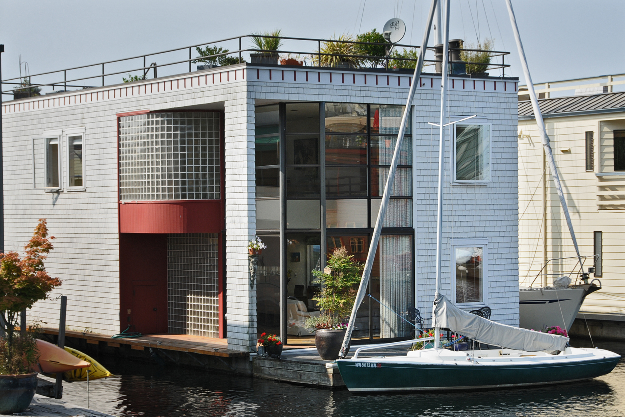 Houseboats In Seattle Seattle Luxury Floating Home For Sale Lake Union Floating Homes